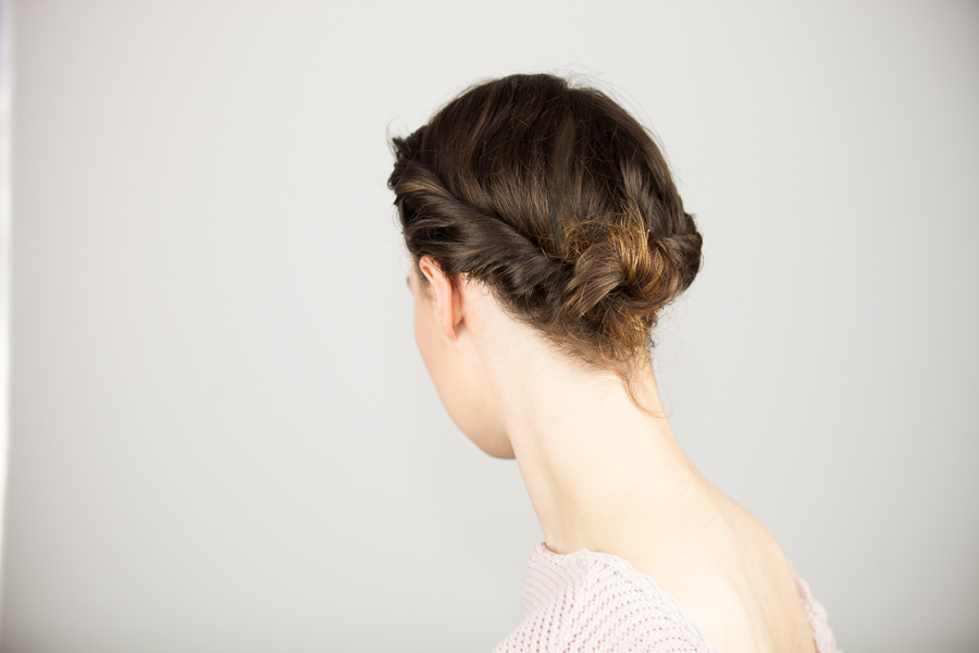 4-quick-and-easy-hairstyles-Style-Rarebit-blog